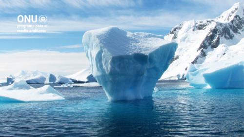 Nadando bajo el hielo de la Antártida